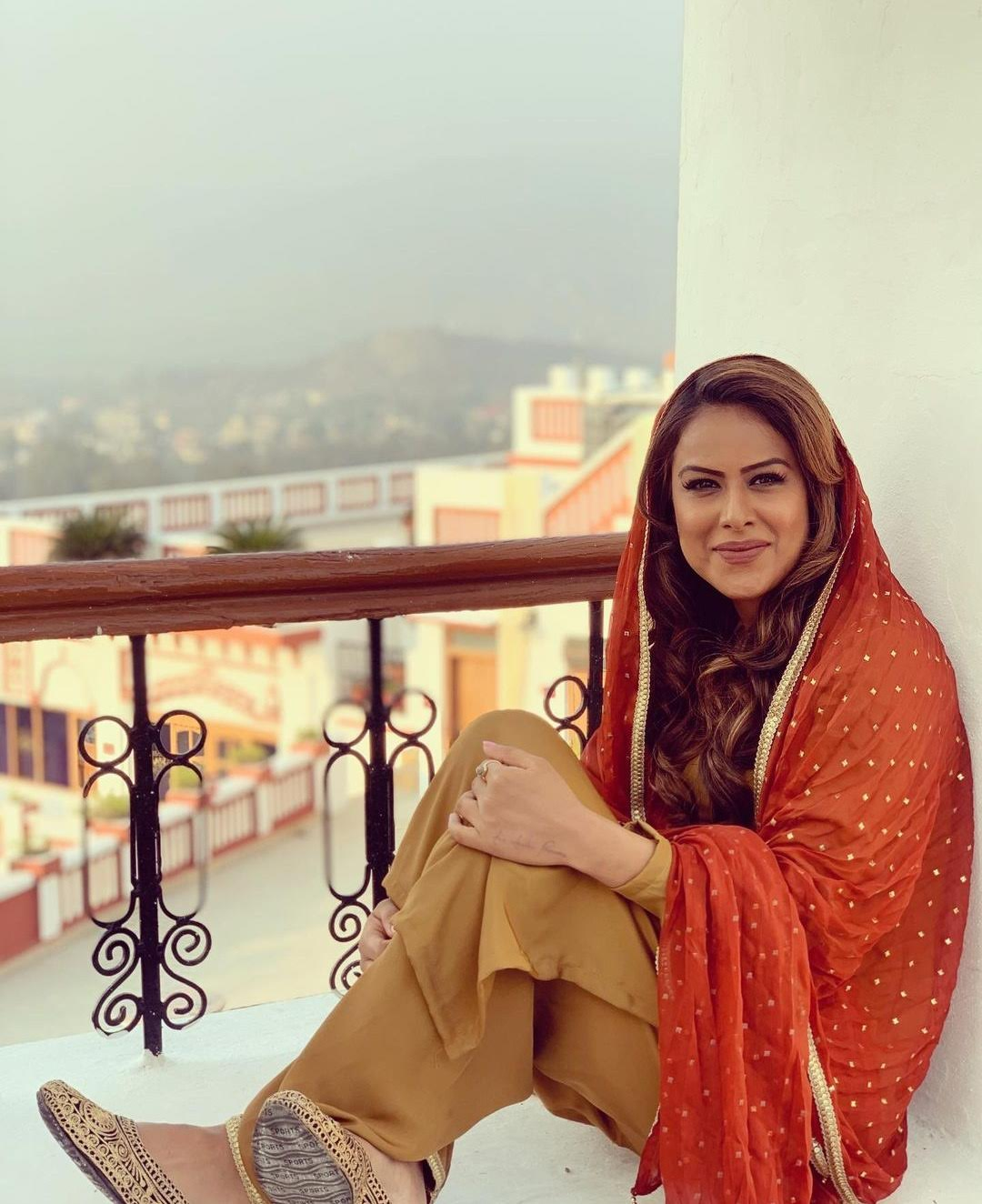 Nia Sharma looks GORGEOUS in traditional PUNJABI outfit...