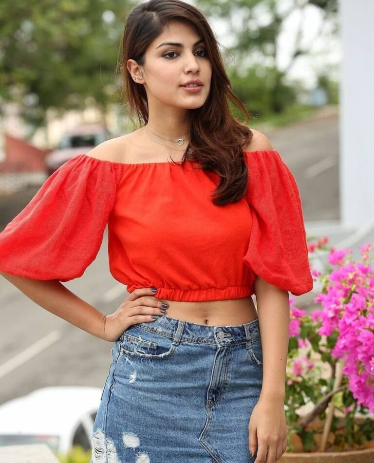 NCB charge sheet says Rhea Chakraborty funded drug deals, ACTRESS REPLY.