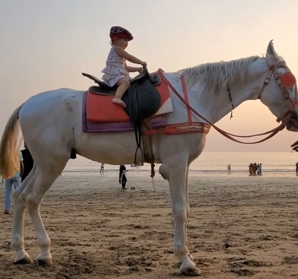 Sanjeeda Shaikh shares an adorable VIDEO of Lil daughter doing THIS fun activity.